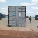 Der Container auf dem Gelände des Zolls